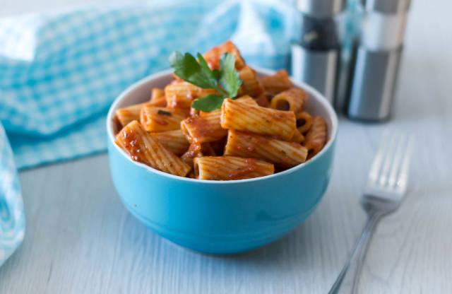 Rigatoni Pasta With Tomato Sauce