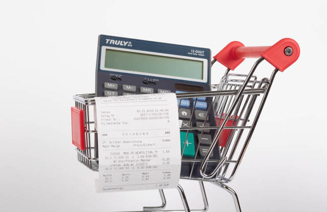 Shopping cart with Receipt and calculator