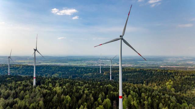 Windkraftanlagen im neuen Windpark Straubenhardt