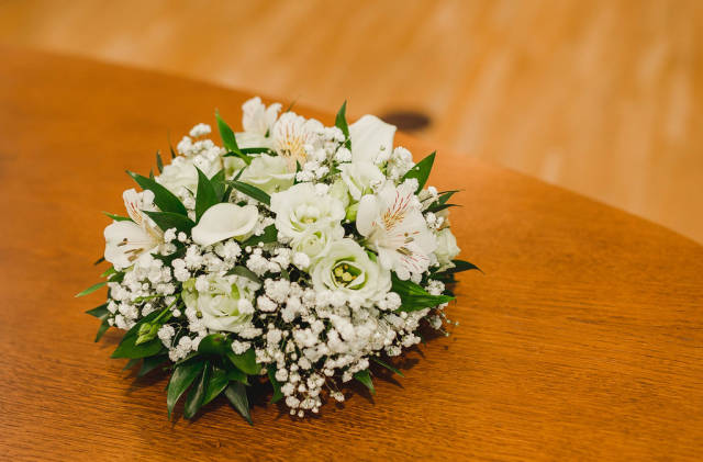 Wedding White Floral Decor WIth Roses