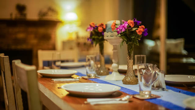 Flower decorations at a dining table