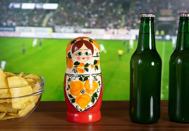 Fußball-Weltmeisterschaft auf dem Fernseher schauen