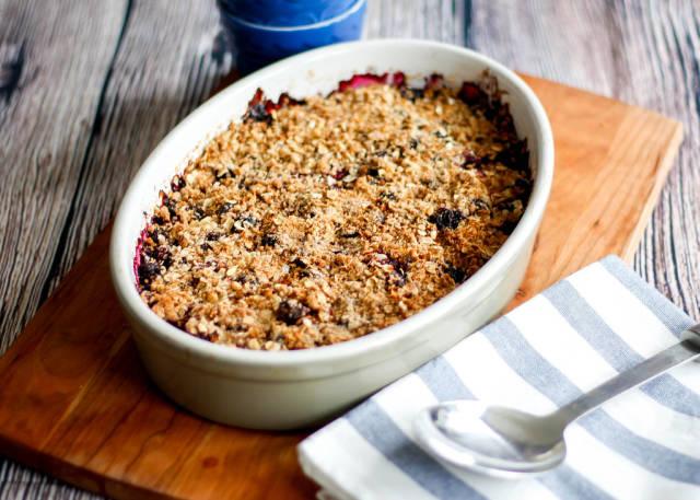 Homemade berries crumble