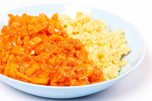 Bulgur porridge with vegetable stew