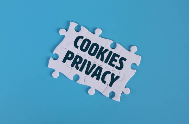 Puzzle pieces with Cookies Privacy text
