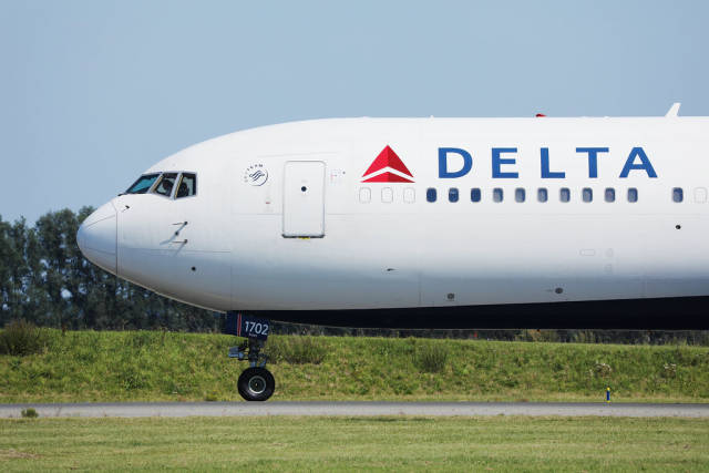 Delta airplane, close-up view at Schiphol AMS