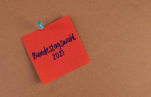 Rot Hafnotiz mit Bundestagswahl 2021 text