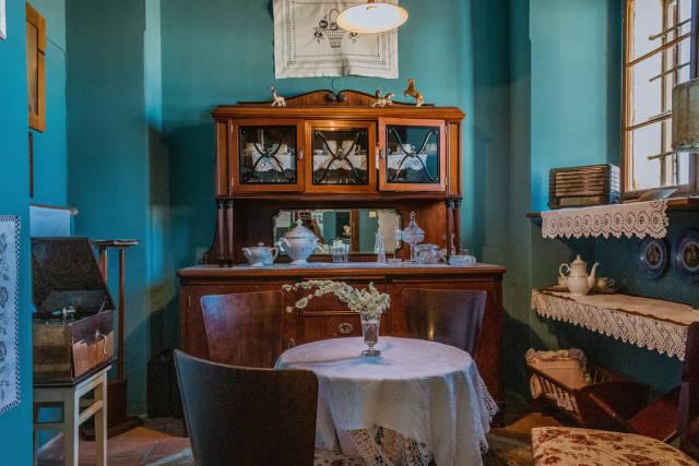 Old familiy dining room