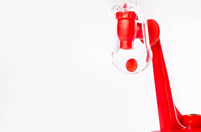 Drink dispensing device from bottles