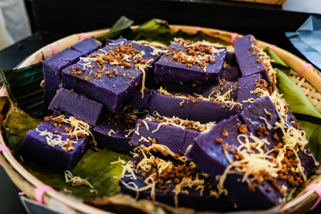 Ube rice cakes with latik and cheese toppings