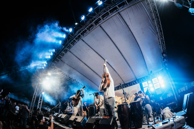 Ben & Ben ending their performance at Day Dream Festival, Bacolod City
