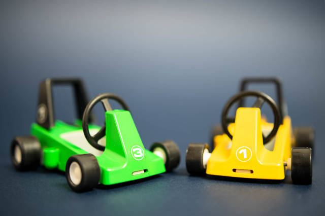 Spielzeug Rennwagen in Grün und Gelb