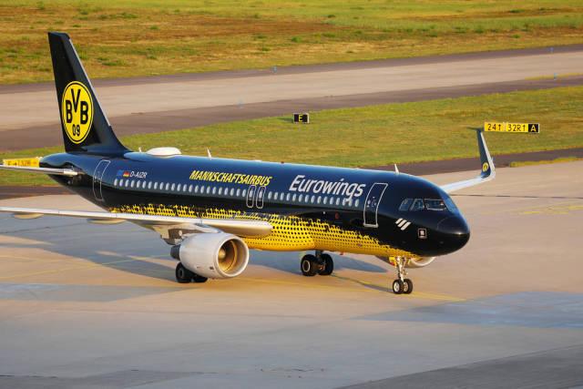 Eurowings Airbus A320, BVB Borussia Dortmund Mannschaftsairbus, D-AIZR in CGN