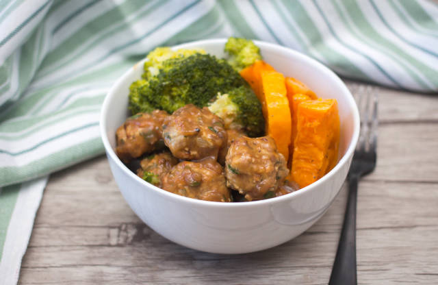 Meatballs in gravy with broccoli and sweet potatoes