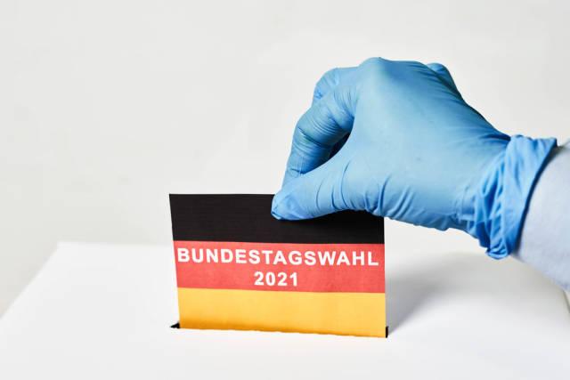 Deutsches Volk bei Bundestagswahlen