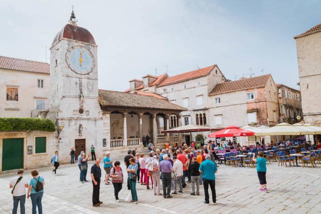 Uhrturm in Trau, Kroatien