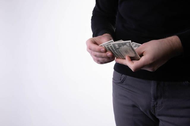 Money in male hands