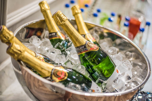 Brut Champagne With Ice