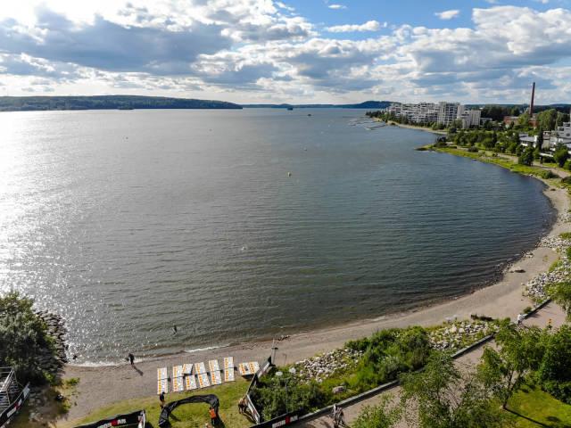 Blick über die Bucht von Lahti auf den See Vesijärvi in Päijät-Häme, Finnland