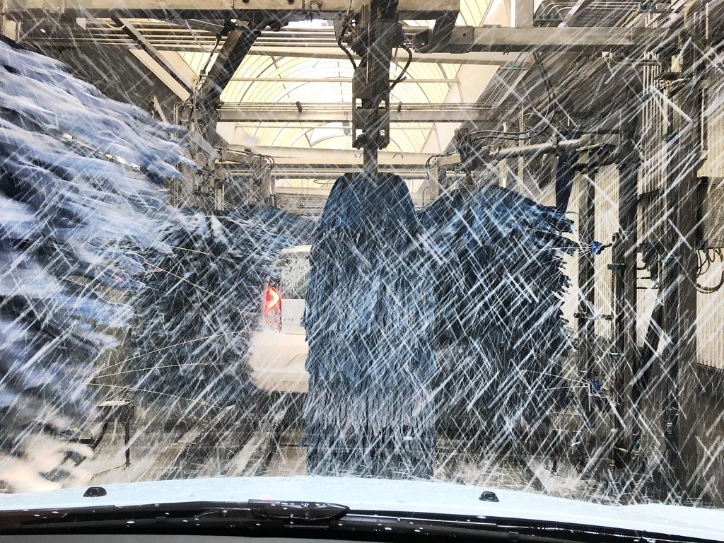 Auto-Waschanlage / Carwash