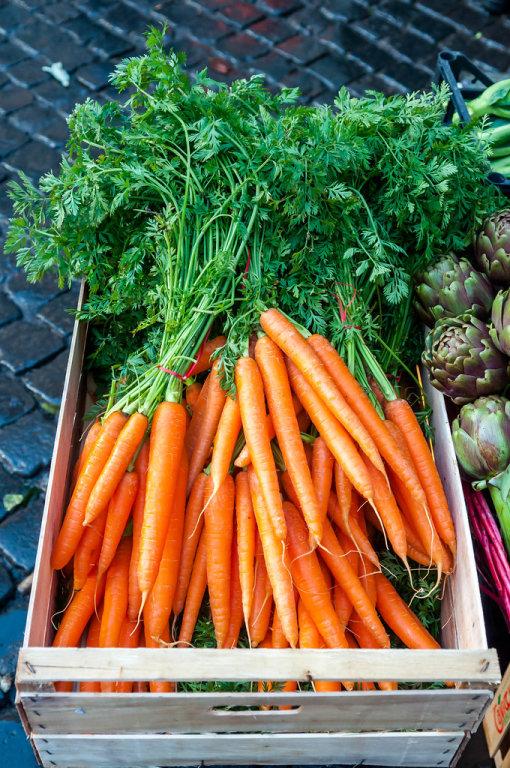 Karotten (Möhren) auf dem Campo de' Fiori