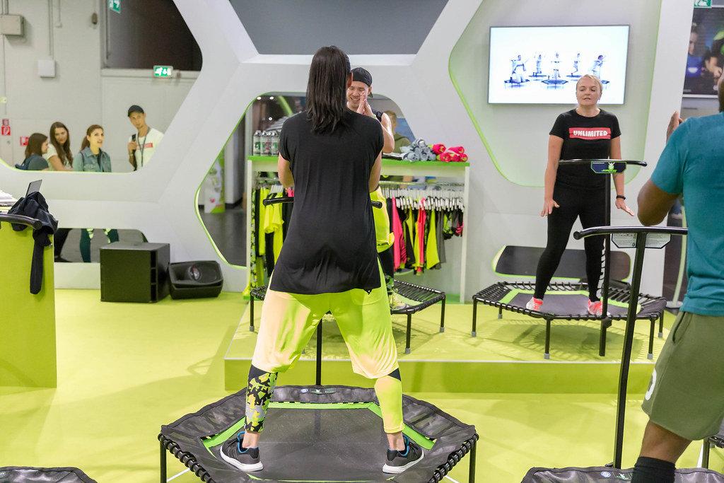 Jumping Fitness. Training auf einem Trampolin