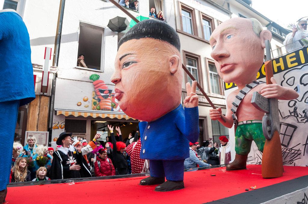 Wagen mit Assad, Kim Jong-un und Putin.