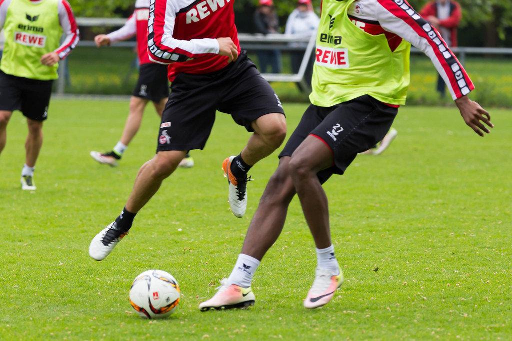 Zweikampf 1. FC Köln