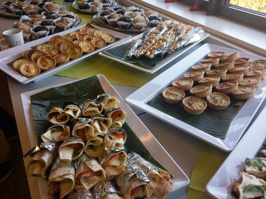 Wraps in Alufolie, Mini-Gemüsekuche und Muffins