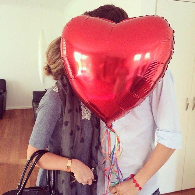 Birthday Love Birds. :-) #birthday #love #people #picoftheday #heart #echteliebe #herz #balloon #luftballon