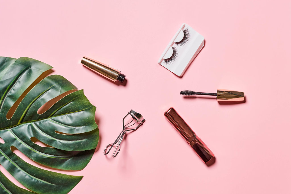 Eye makeup products for summer