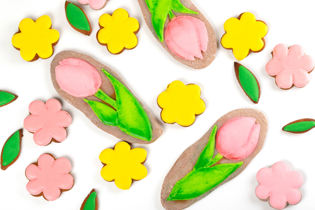 Gingerbread cookies for womens day in the form of flowers, top view