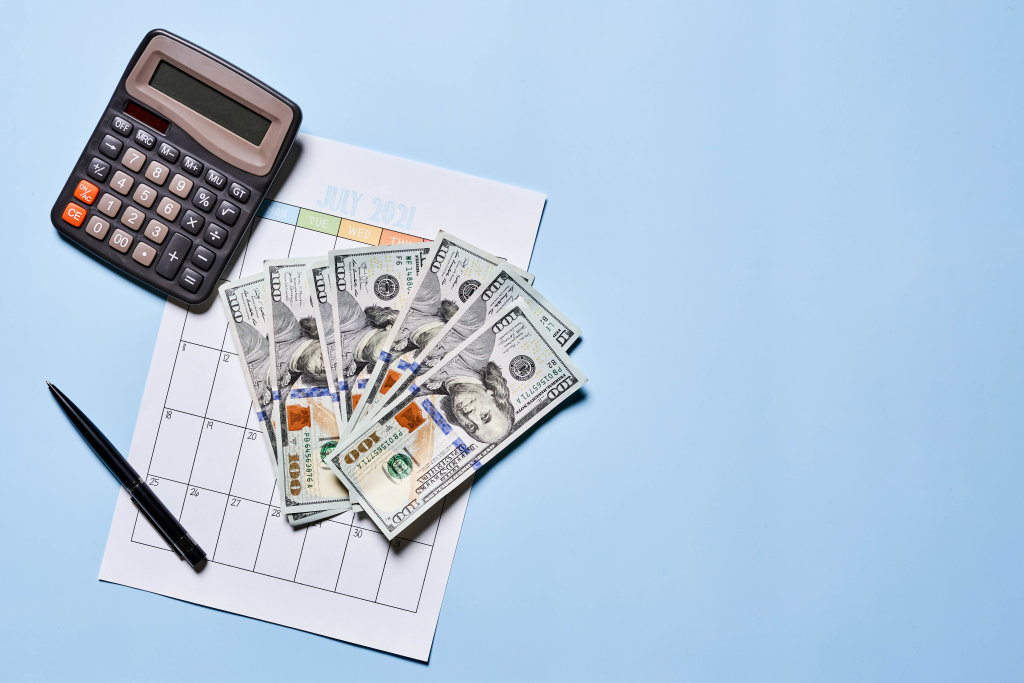 Calculating monthly incomes from investments