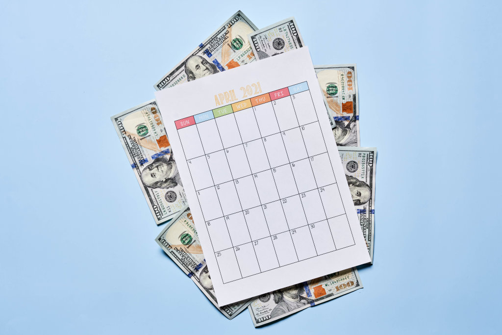 US dollars and April 2021 calendar