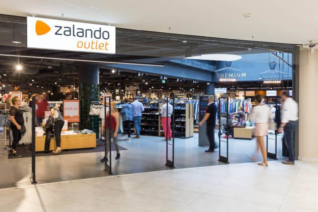 Entrance to a Zalando outlet