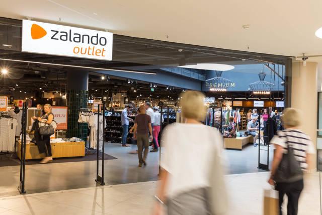 Eingang zur Zalando-Filiale