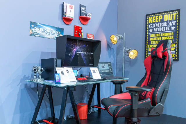 """Gamer at work"""" desk, gaming chair and Asus ProArt Station D940MX PC with sleek chassis & Nvidia GeForce RTX 2080 Ti"""