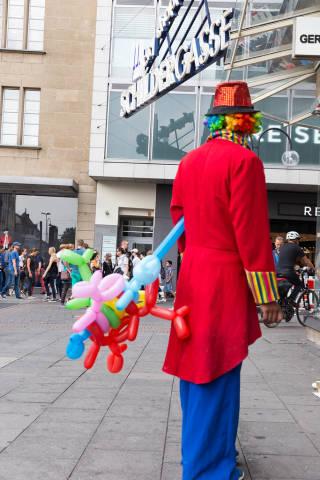 Clown mit Modelling-Ballons