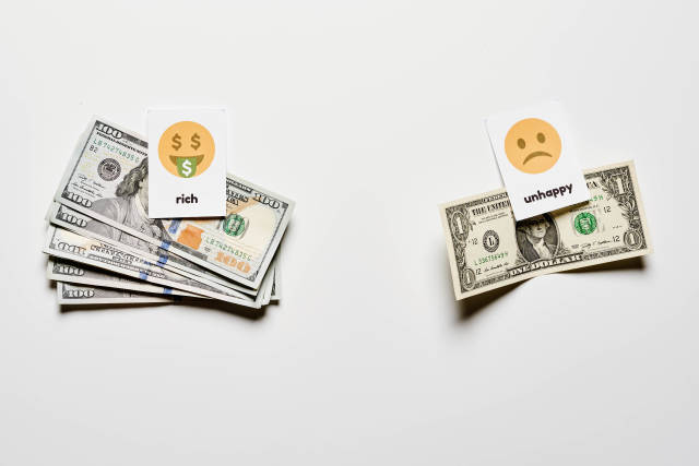 Rich vs. Unhappy people compare