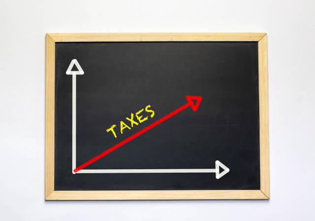 Taxes graph