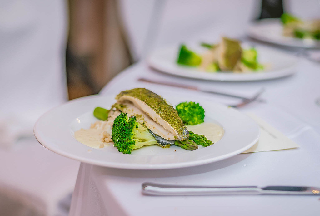 Fish fillet With Brocolli And Sauce