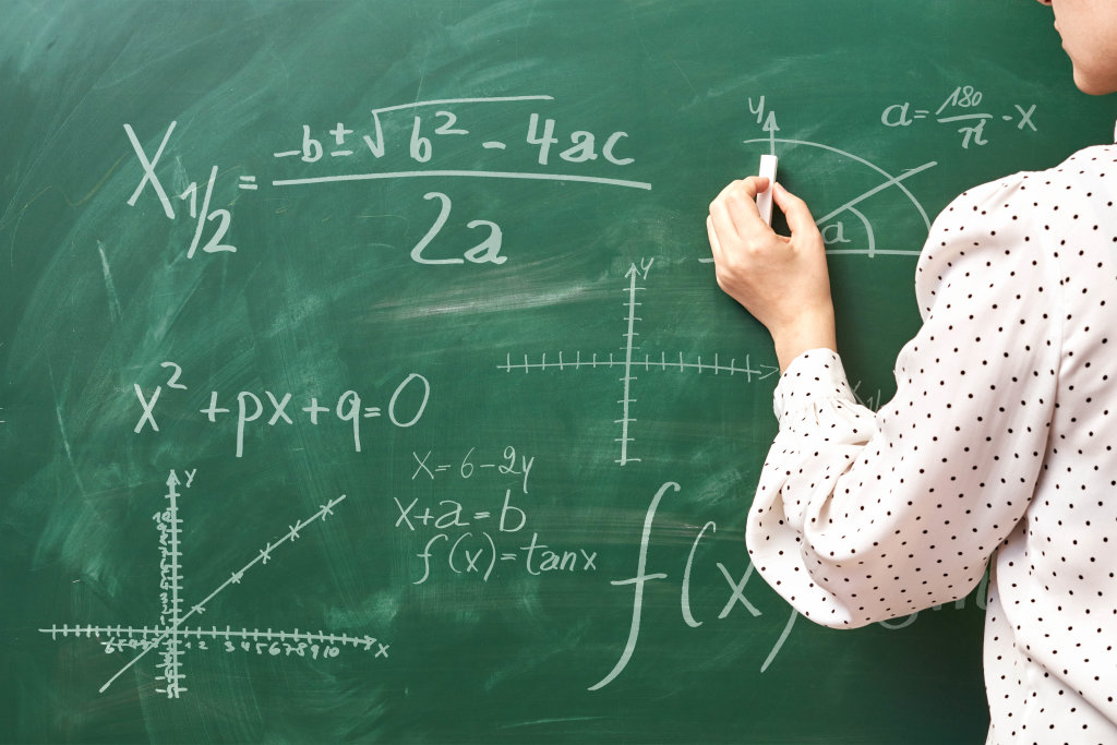 Teaching writing and explaining the discriminant Formula in quadratic equations