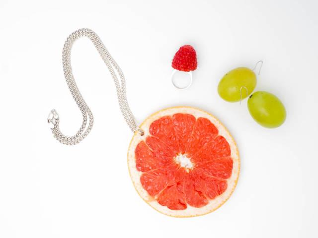 Edible fashion accessories
