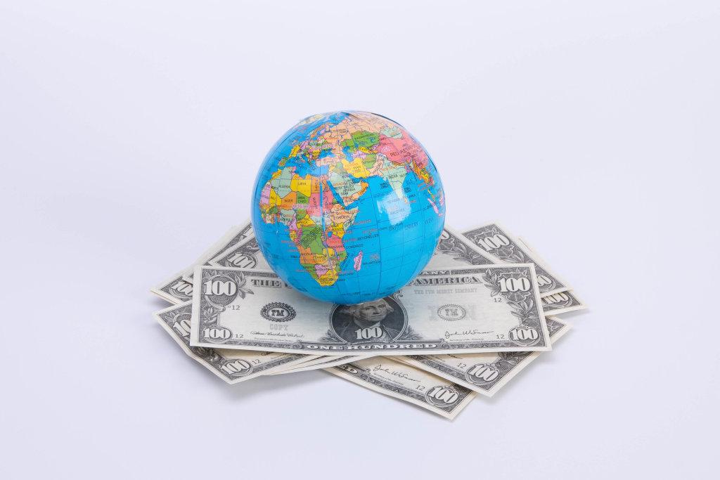 Globe on US dollar banknotes