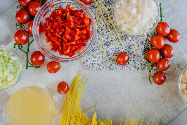 Red Paprica and Onion Bowls Recipe Ingredients