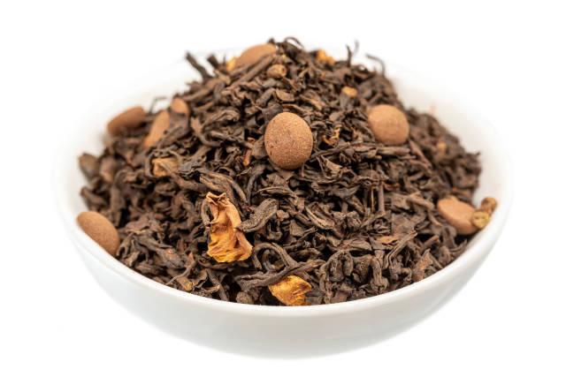 Dry black tea with chocolate