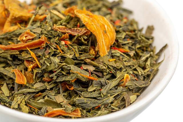 Close-up, green tea with saffron