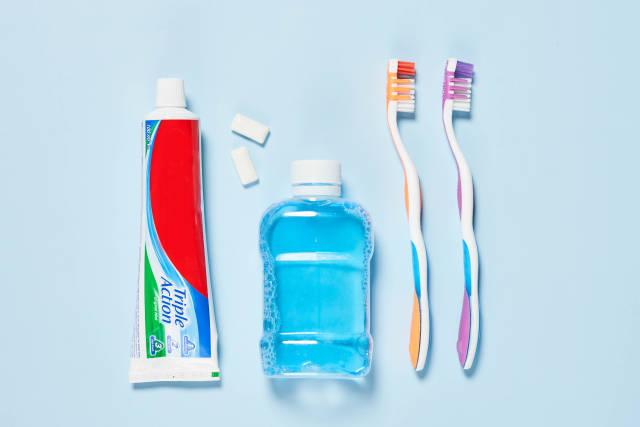 Personal dental care set