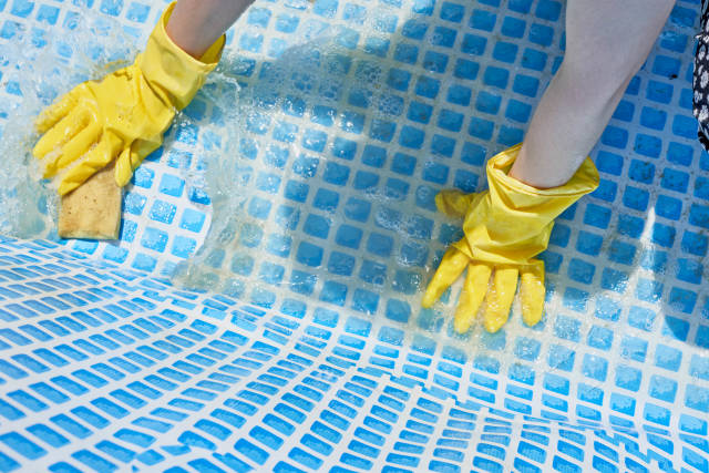 Cleaning dirty pool
