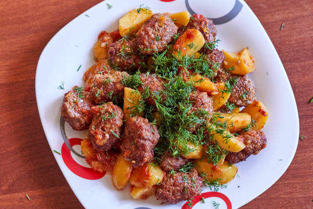 Roast potato and cutlets